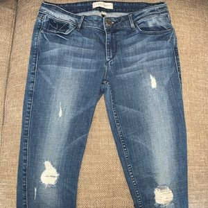 EUC Habitual Distressed Skinny Jeans Size 26.
